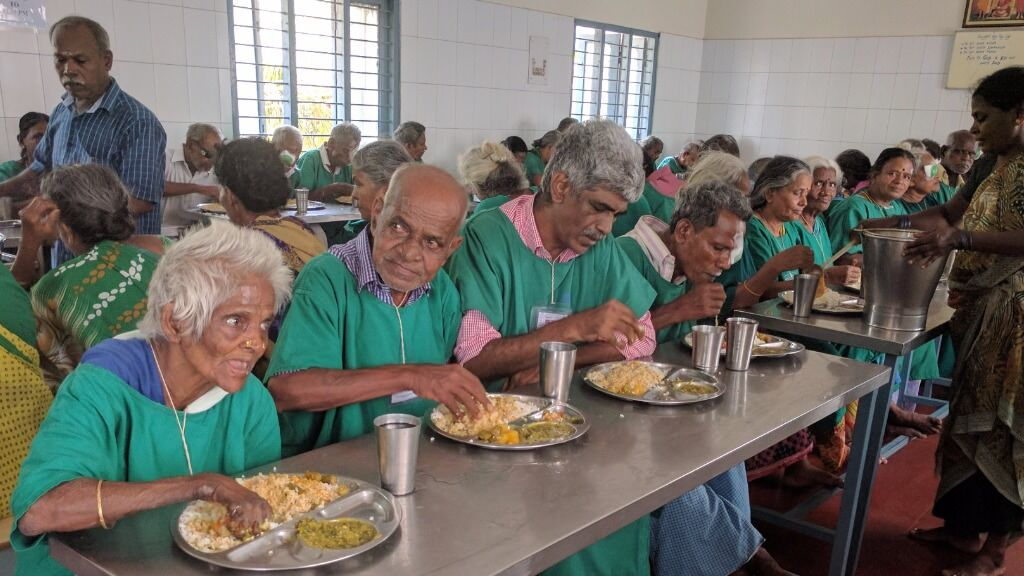 Help the faster recovery of cataract surgery patients