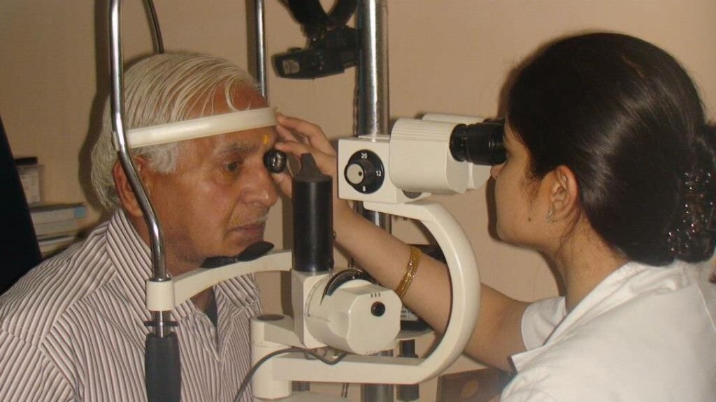 Restore eye sight to a patient with cataract surgery