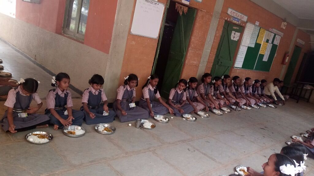 Support the midday meal of an underprivileged child