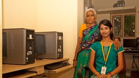 sponsor-computer-training-for-underprivileged-girls.jpg